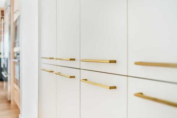 modern_box_remodel-entry_hall-cabinet_detail